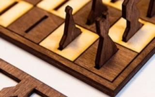 Шахматы из дерева (фото, видео и макет)